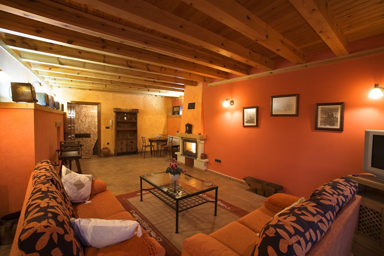 Casa rural en castrillo de duero casas rurales turismo for Hoteles con chimenea